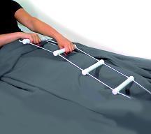 Escalerilla que permite a la persona tirar para incorporarse a una posición de sentada en la cama 2