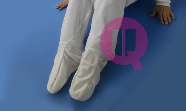 Pijama Antipañal SANITIZED INVIERNO. Con pies y mangas largas.
